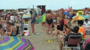 Crowded beaches in Argentina as cases rise during vacations 2