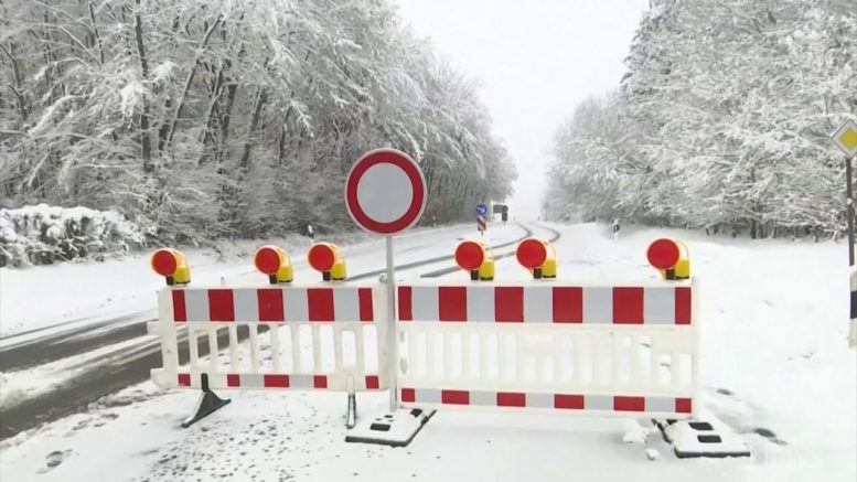 German town blocks road to ski resort to contain COVID-19 1