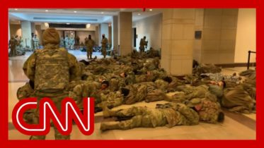 'Nothing like I've seen:' Troops deployed inside US Capitol 6