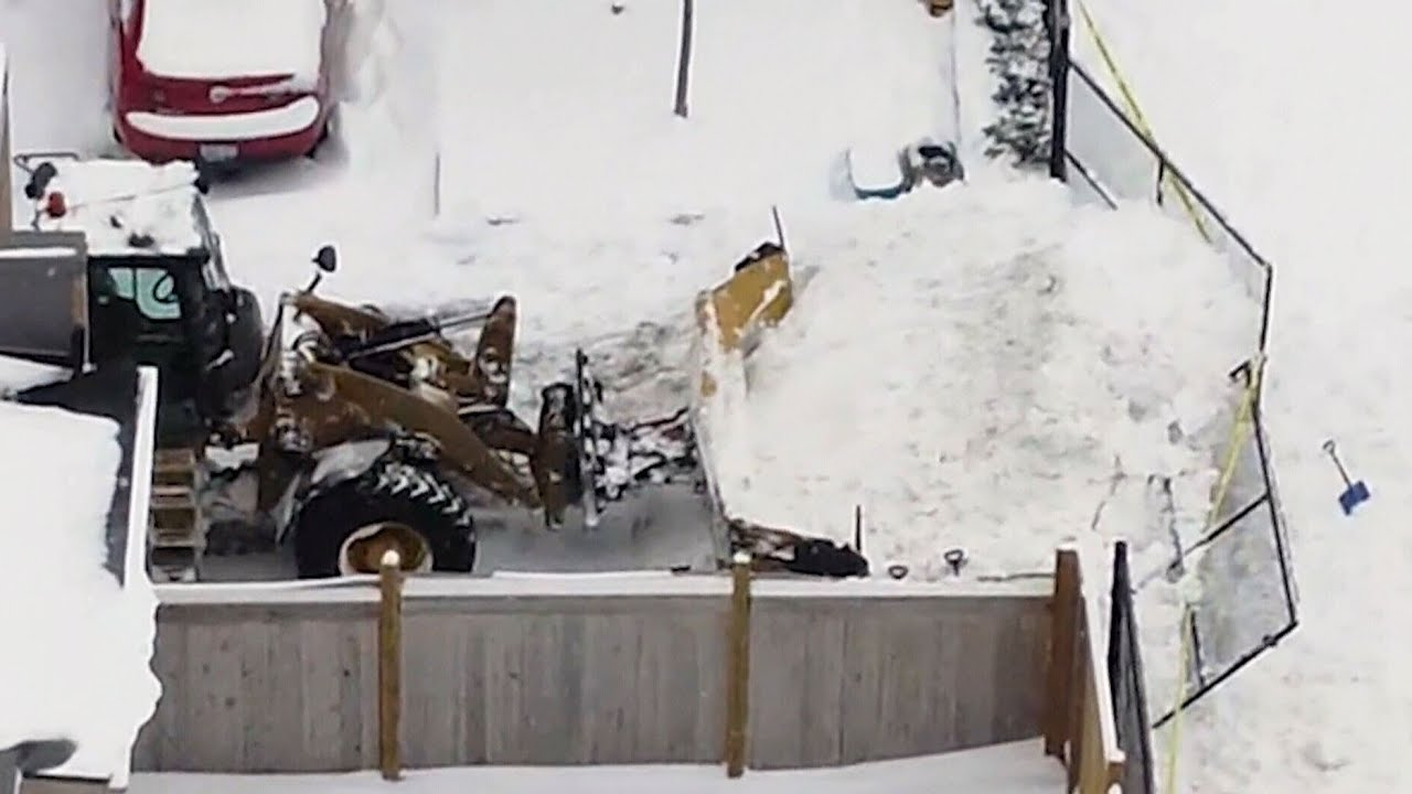 Child seriously injured after being buried by snowplow during outside Whitby, Ont. elementary school 1