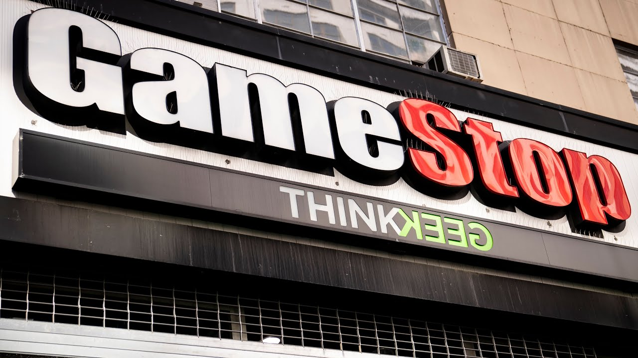 GameStop stock plunges as selling swamps Reddit-favoured bet   What's the damage to Wall Street? 1