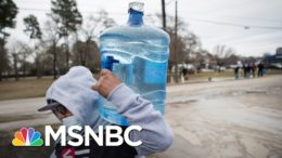 People In Texas Are Boiling Snow To Get Clean Drinking Water | The 11th Hour | MSNBC 3