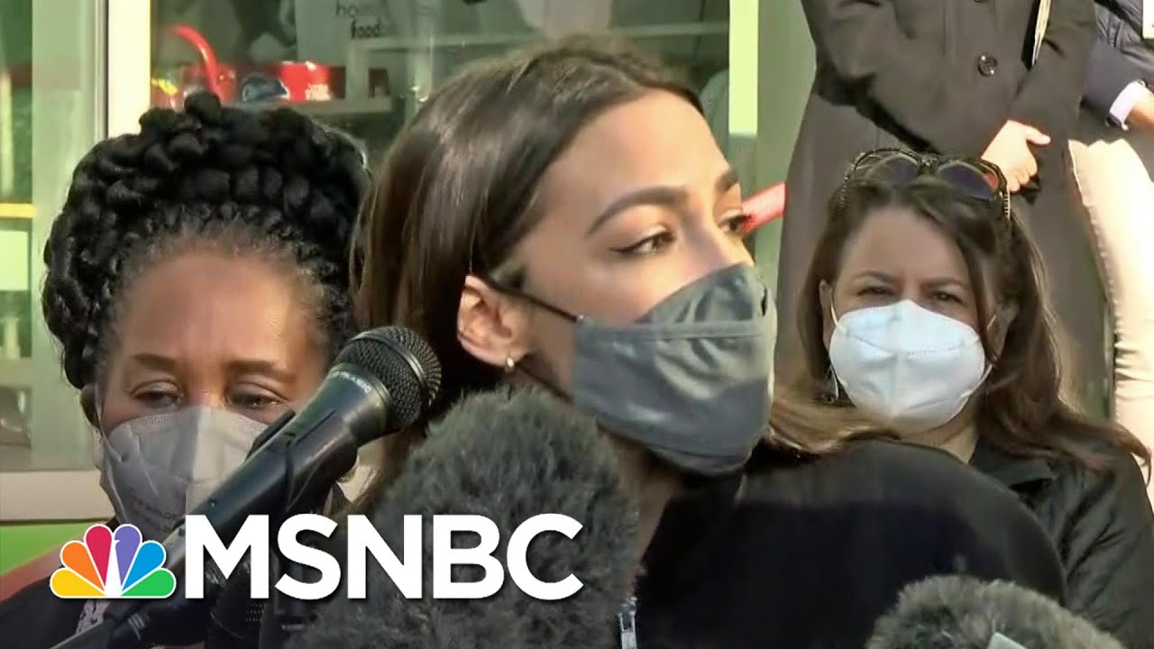AOC Visits Houston Food Bank After Raising $3.2 Million For Relief Efforts in Texas | MSNBC 1