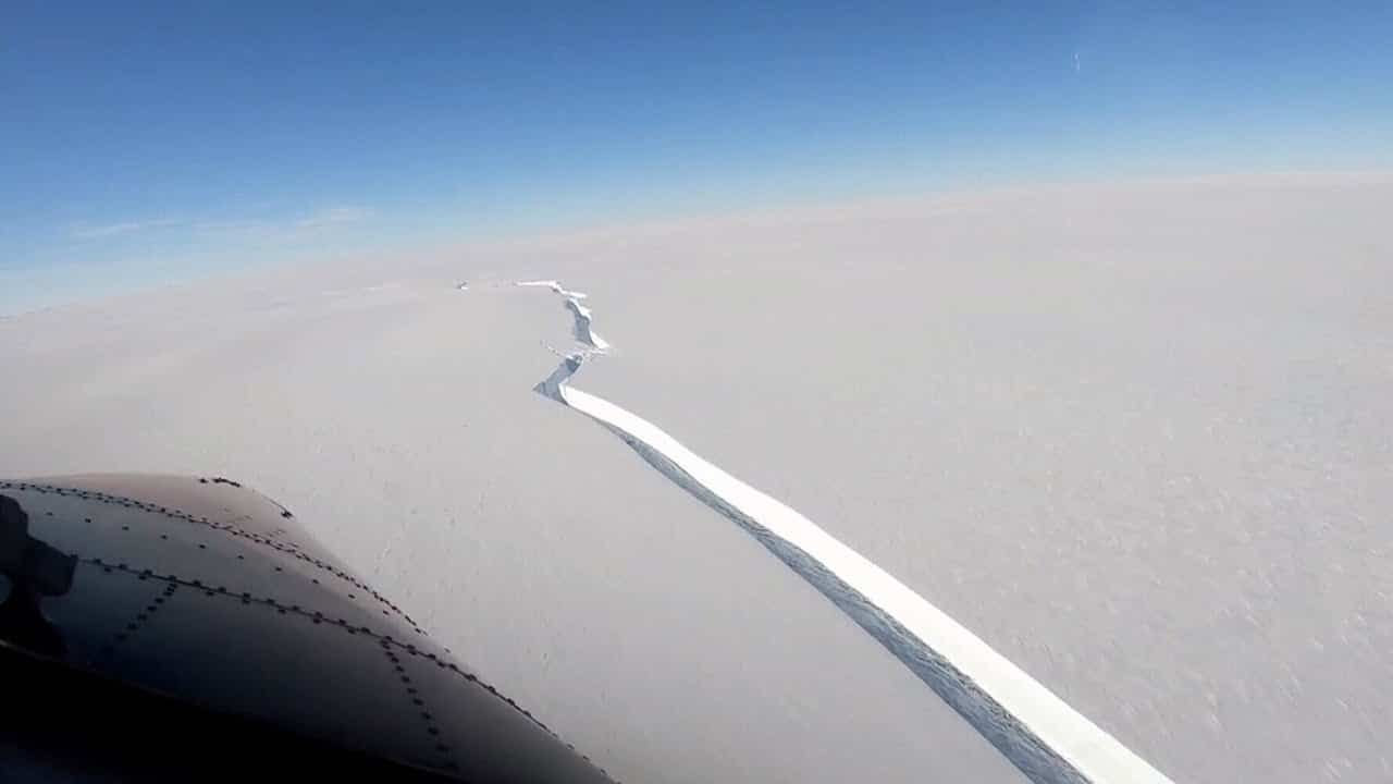 An Iceberg about size of L.A. has broken off from Antarctica 3