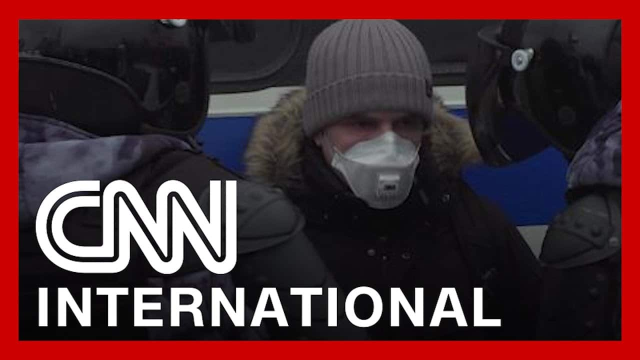 CNNi: Kremlin meets Russian protesters with fierce crackdown 6