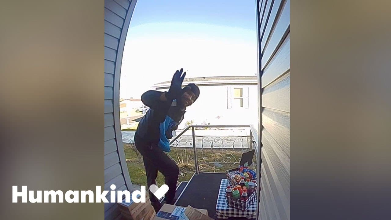 Couple sets out snacks out to thank delivery drivers | Humankind 9