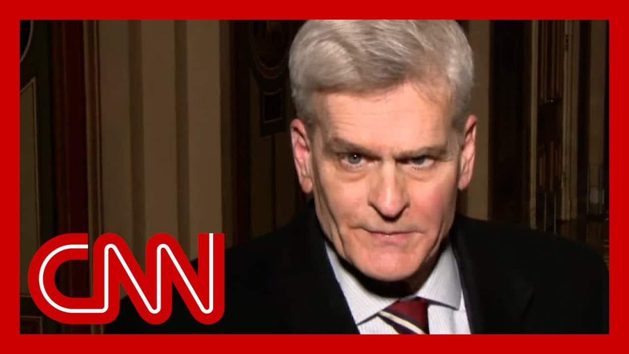 'Disorganized': GOP senator rips Trump's defense team 1