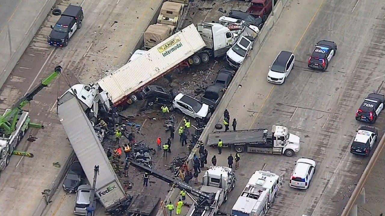 130-vehicle pileup on Texas highway kills at least six 3