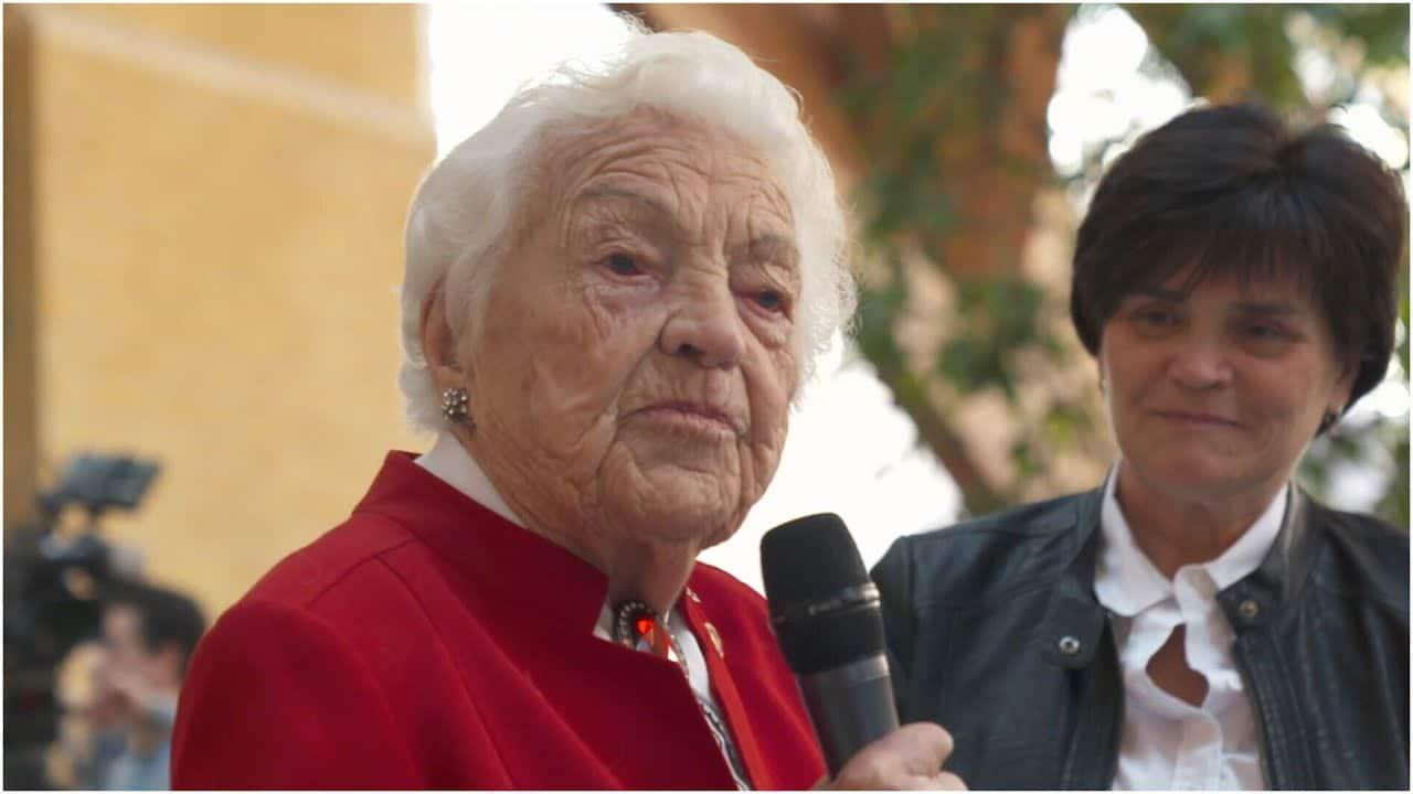 Former Mississauga mayor celebrates 100th birthday 1