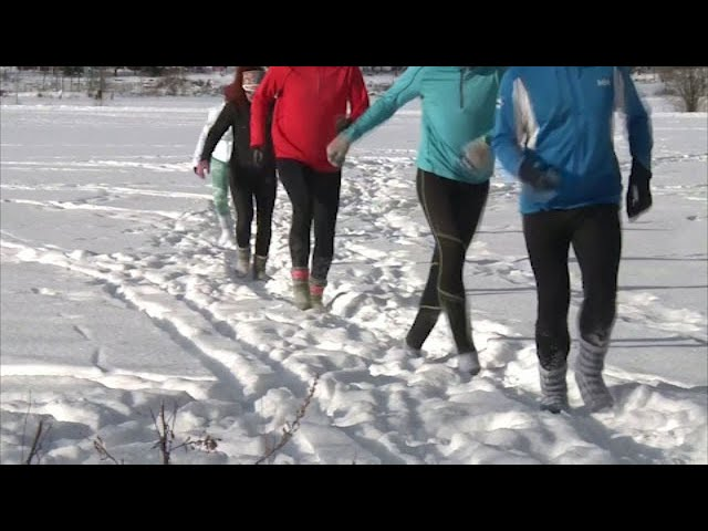 Finns say shoeless snow running provides 'happiness' 1