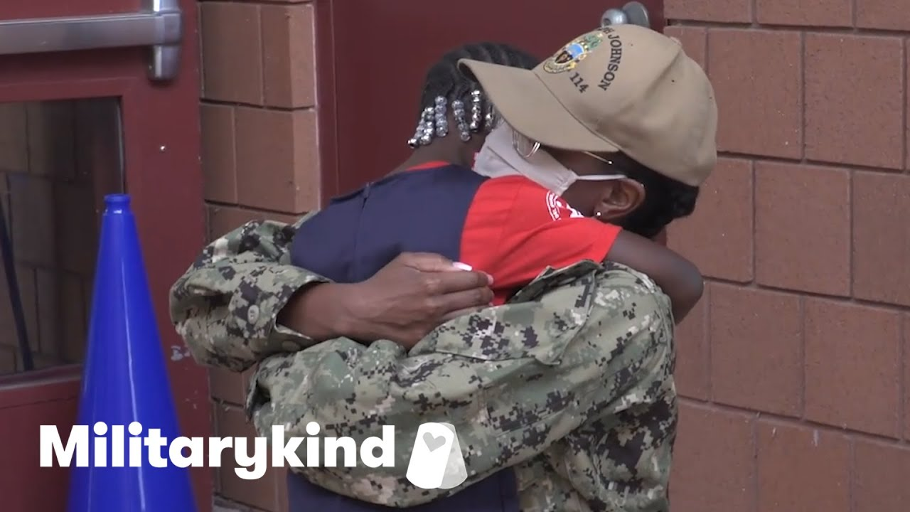 Mom and daughter sob with joy after 17 months apart | Militarykind 2
