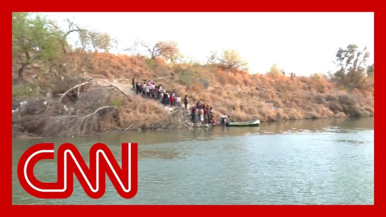 CNN witnesses dozens of migrants trying to cross Rio Grande 1