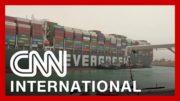 Stuck ship shuts down Suez Canal traffic 2