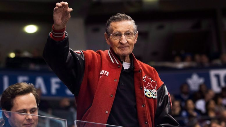 Legendary 'Canadian Hockey Dad' Walter Gretzky dies at 82 after 9-year battle with Parkinson's 1