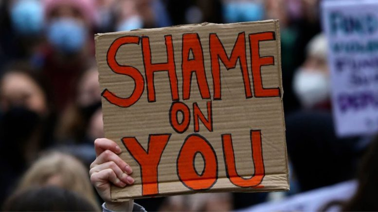 'Shame on you': Arrests made at vigil for slain U.K. woman Sarah Everard 1