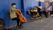 Cellist Yo-Yo Ma gives surprise concert at vaccination site 2