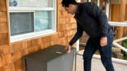 Toronto man creates 'Boxr' bench to combat porch pirates 2