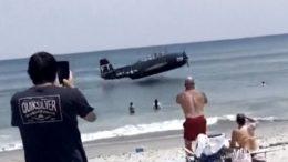 Wartime plane makes emergency landing 4