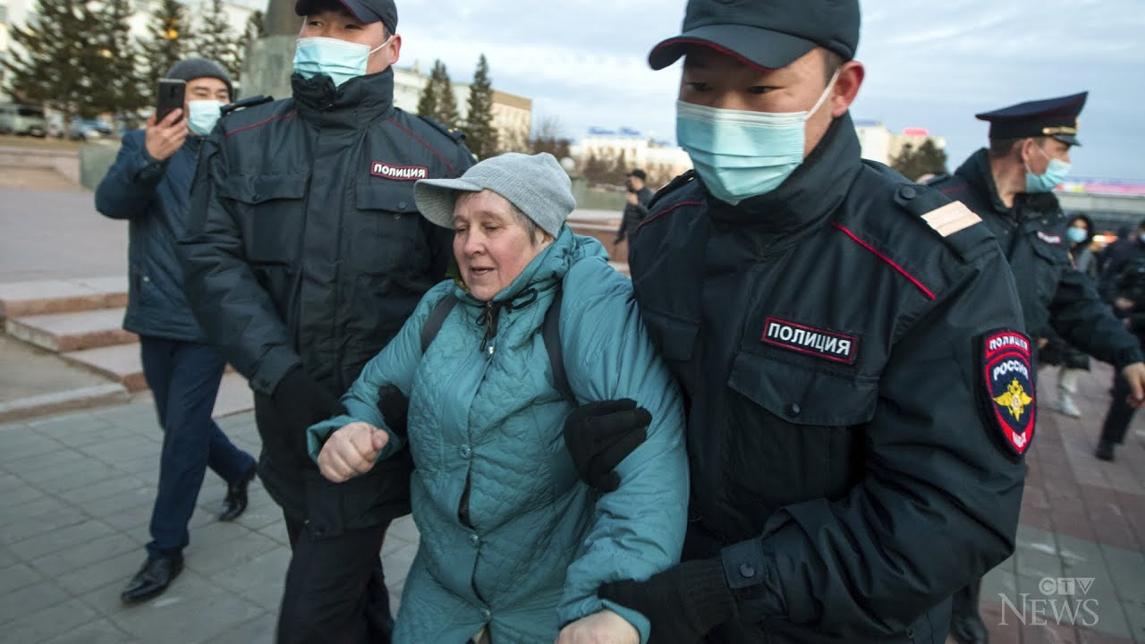 Nearly 1,800 detained at protests in Russia 9