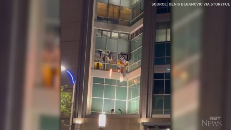 Fires started as riot breaks out in St. Louis city jail 1