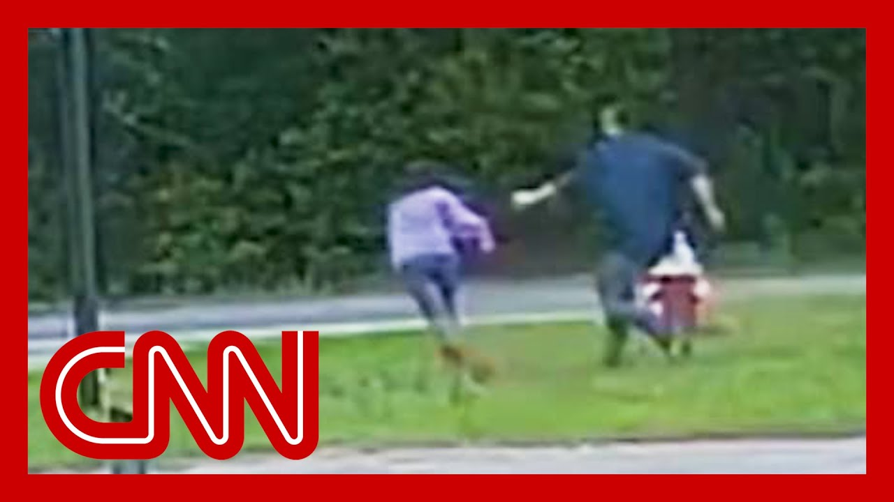 11-year-old girl fights off abductor at bus stop 1