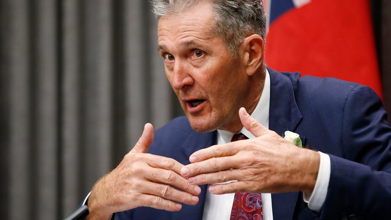 Premier Pallisters' emotional plea for Manitobans to get vaccinated 7