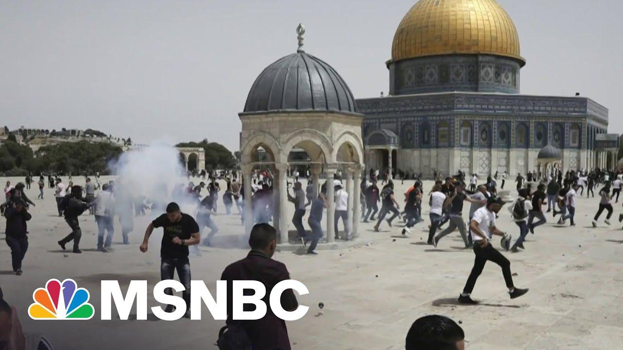 Israeli Police Move Against Rioters At Al-Aqsa Mosque | MSNBC 3