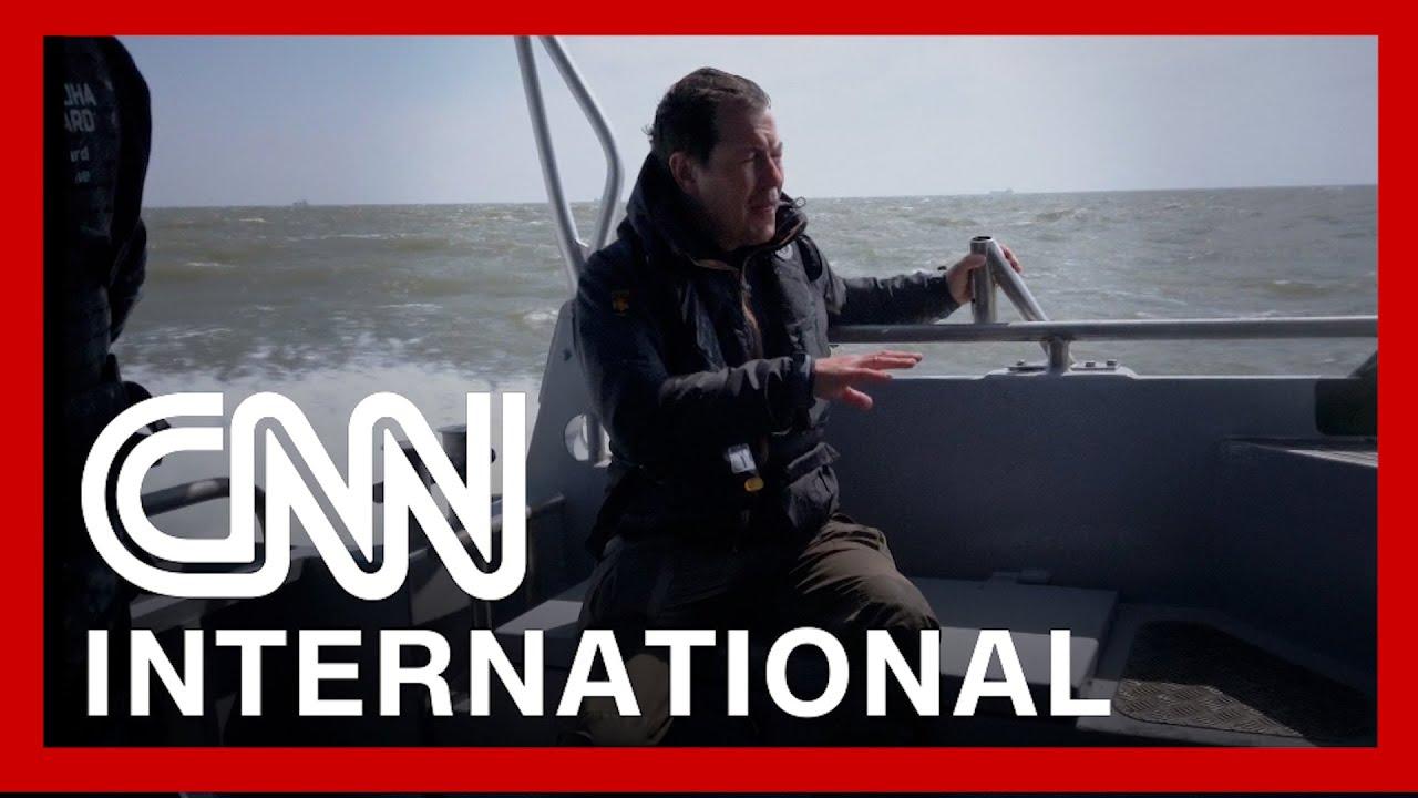 CNN goes aboard Ukrainian patrol boat challenging Russian navy 4