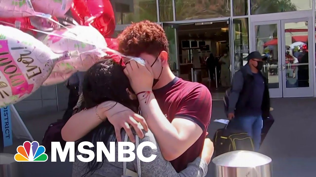 Migrant Teen Reunites With Mother More Than Three Years After Separation Under Trump | Rachel Maddow 1