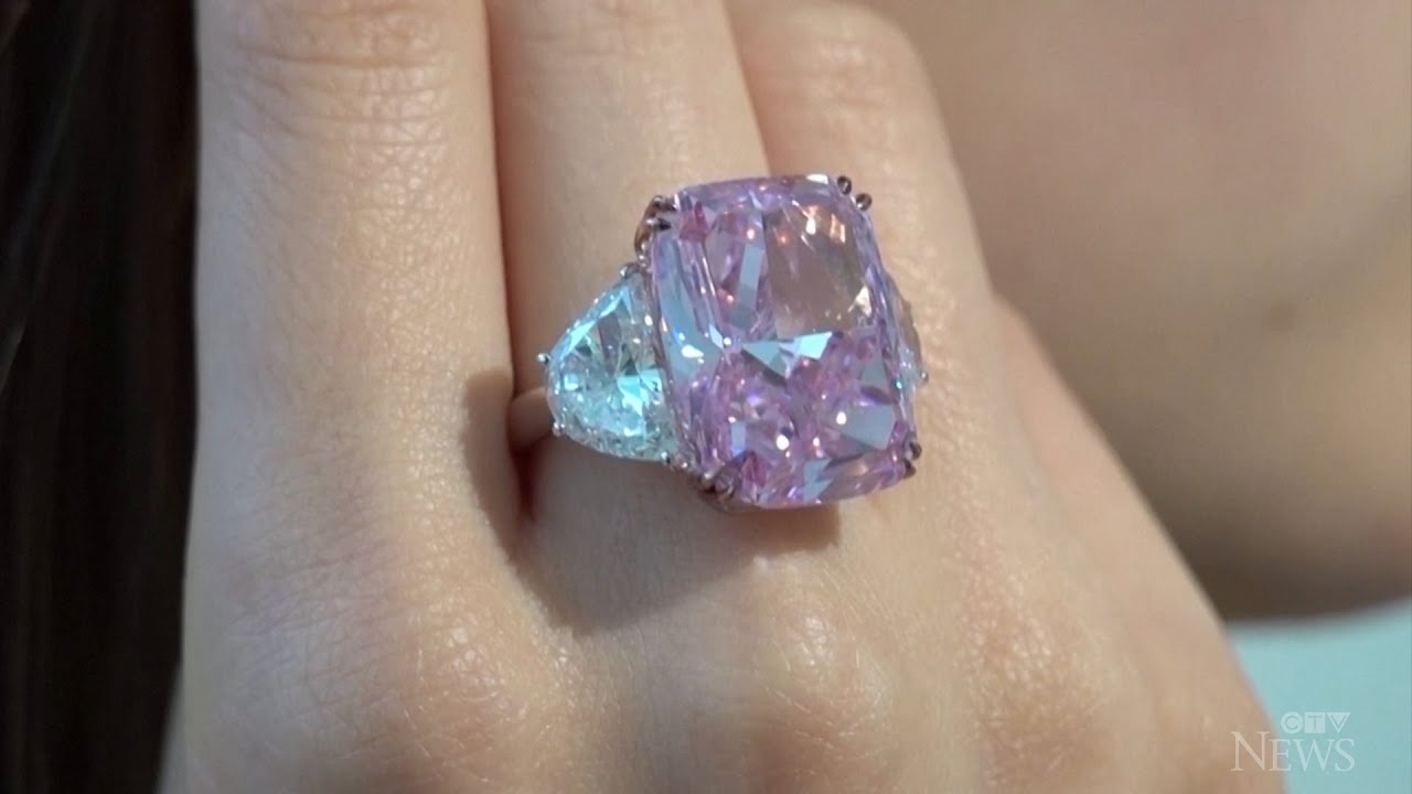Flawless purple-pink diamond may fetch US$35M at auction 1
