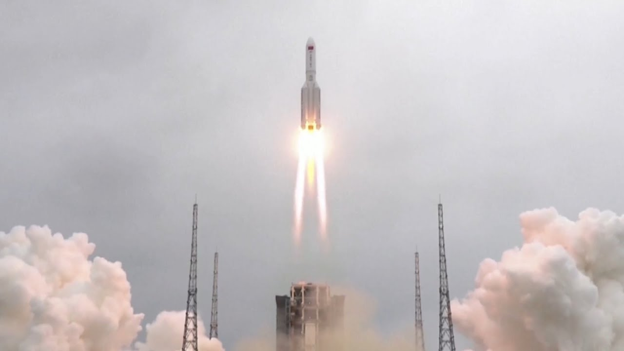 A out-of-control Chinese rocket is plummeting back to Earth, but nobody knows where it will land 5