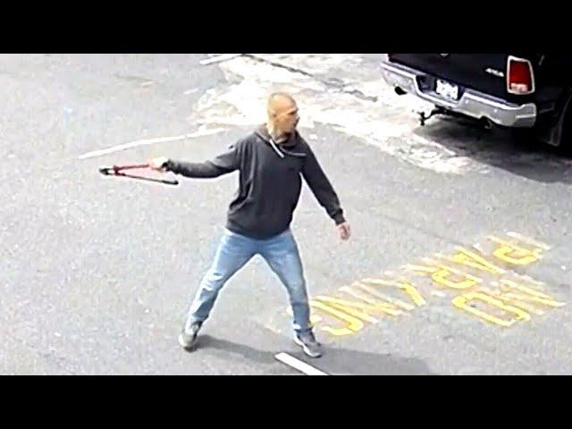 Maskless man attacks store employee in Burnaby, B.C. 7
