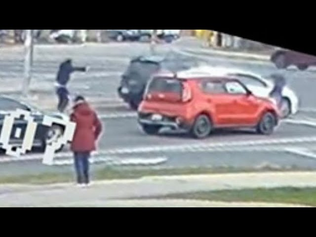 WATCH: Video shows brazen, daylight gunfight in the middle of a busy Ontario intersection 4