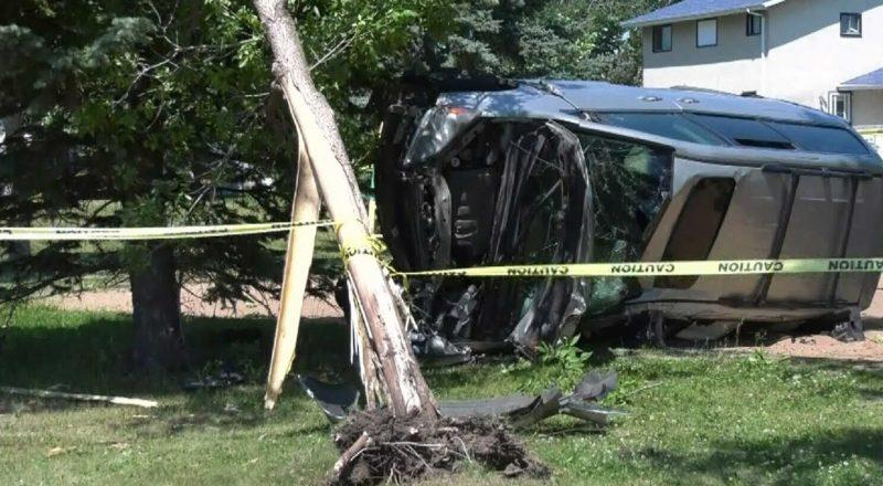 Seven-year-old Edmonton boy takes dad's van on joyride, crashes into tree at a playground 1