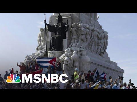 Sen. Murphy: U.S. Embargo In Cuba Empowers The Regime There | MSNBC 1
