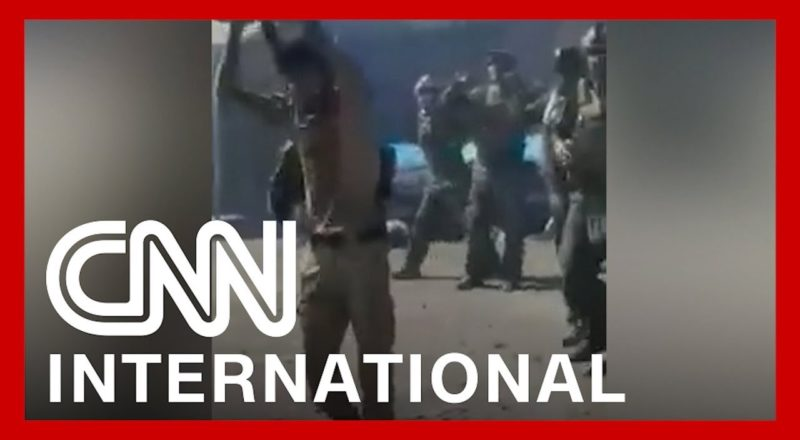 Video shows 22 Afghan commandos executed by the Taliban 1