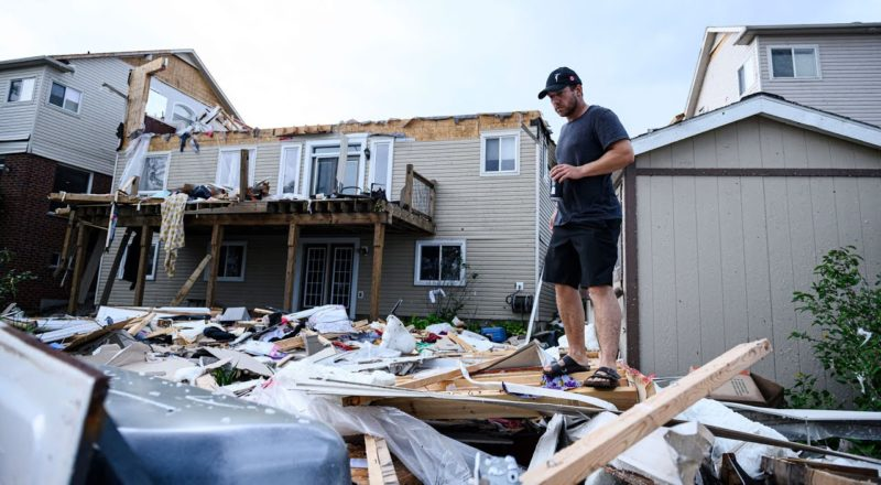"""""""Catastrophic damage"""" in Barrie, Ont. after tornado rips through neighbourhood 6"""