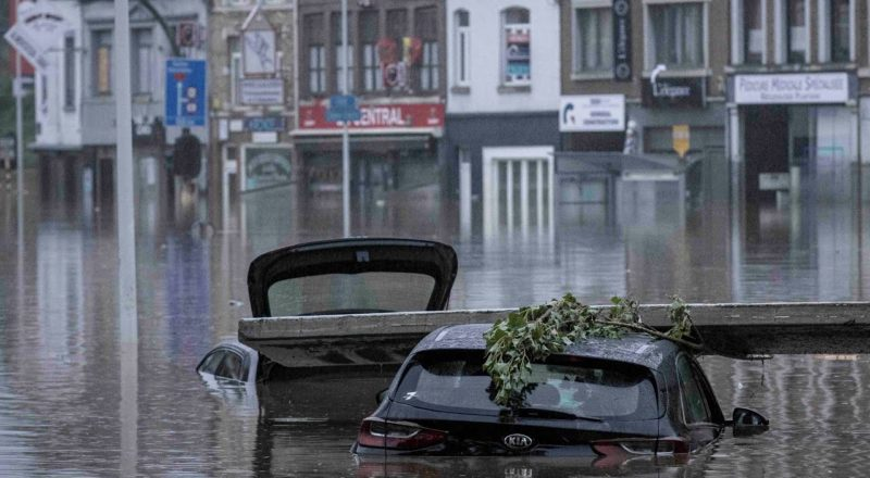 """Hundreds dead and missing after flooding in Europe   """"Could be Toronto or Vancouver,"""" warns expert 1"""