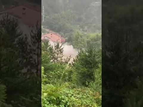 Floodwaters completely destroy a house in Turkey | CAUGHT ON CAMERA #shorts 1