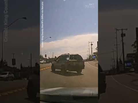ROAD RAGE | U.S. man throws hammer through driver's windshield! #shorts 9
