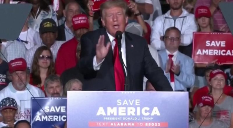Trump urges supporters in Alabama to get vaccinated, gets booed at his own rally 1