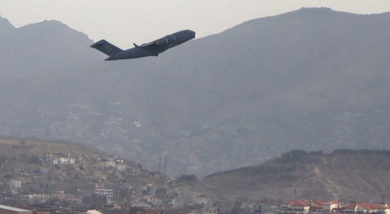 Ukrainian soldiers go into Kabul, rescue translators bound for Canada in daring operation 5