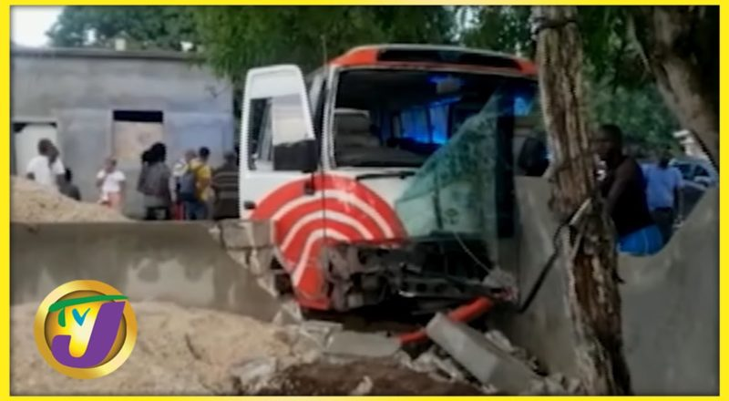 7 Injured in Crash Along Lacovia Main Road in Jamaica   TVJ News - August 10 2021 1