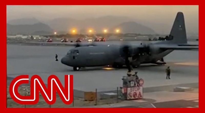 Behind the scenes at chaotic evacuation of Kabul airport 7