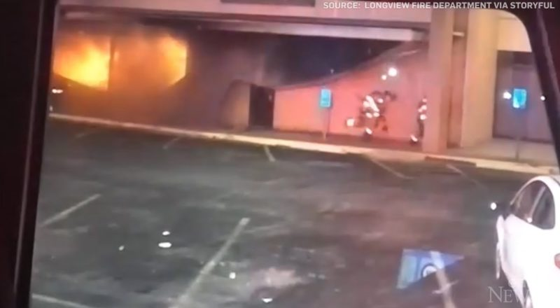 Close call for Texas firefighters as structure collapses 2