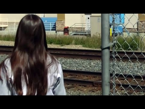 Alta. teens ticketed $600 each for crossing railroad tracks 1