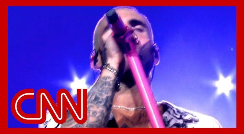 Maroon 5 performs 'Memories' in honor of 9/11 victims 7