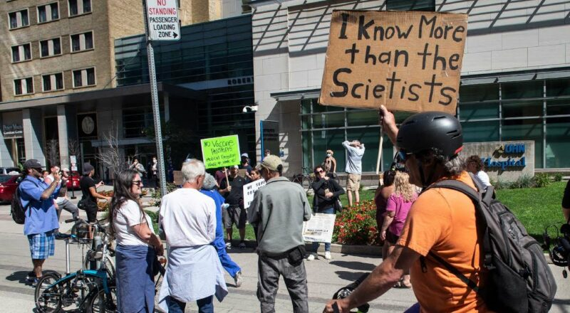 Hospitals across Canada confronted by anti-vaccine protests 1