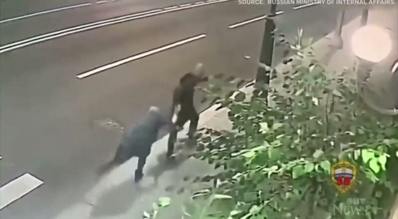 70-year-old grandmother fights off mugger on Moscow street 1