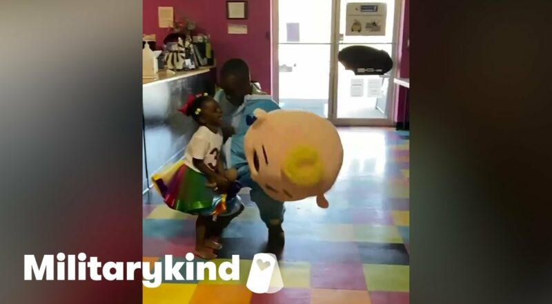 Toddler shocked over Army dad in CoComelon costume | Militarykind 5